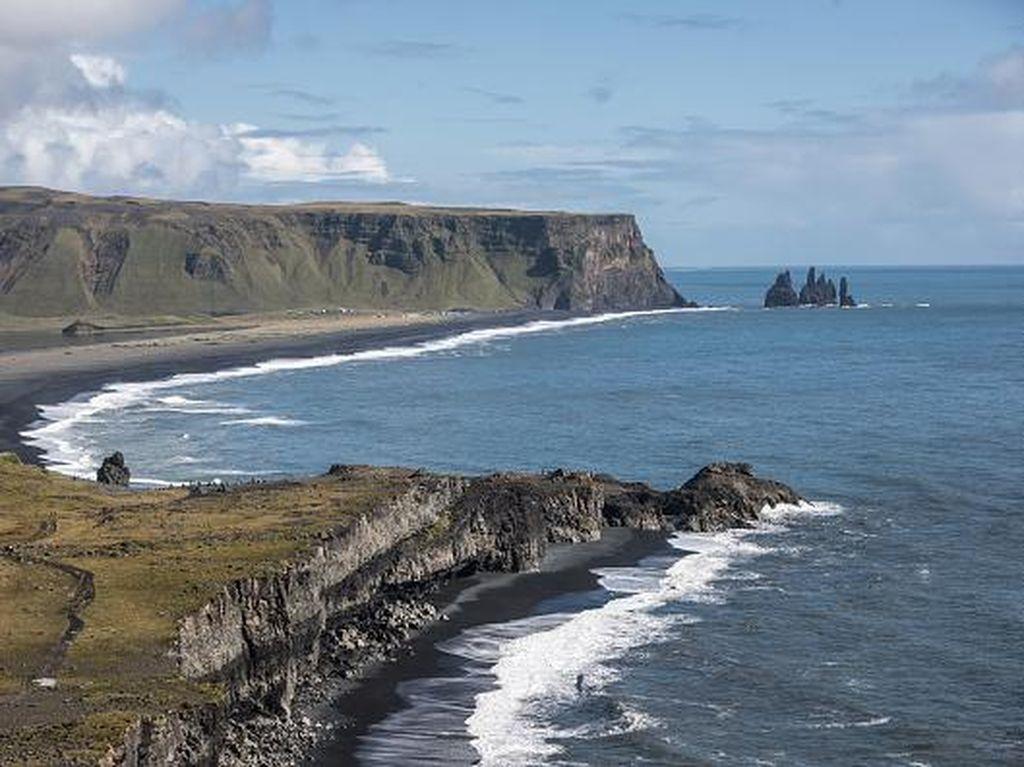 Capai Target Vaksin, Islandia Mulai Buka Pintu untuk Turis