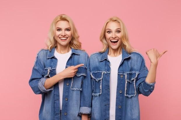 Jika kamu atau pasanganmu berasal dari keluarga yang memiliki anak kembar, kamu mungkin bertanya-tanya bagaimana hal itu memengaruhi kemungkinan kamu akan memiliki anak kembar.
