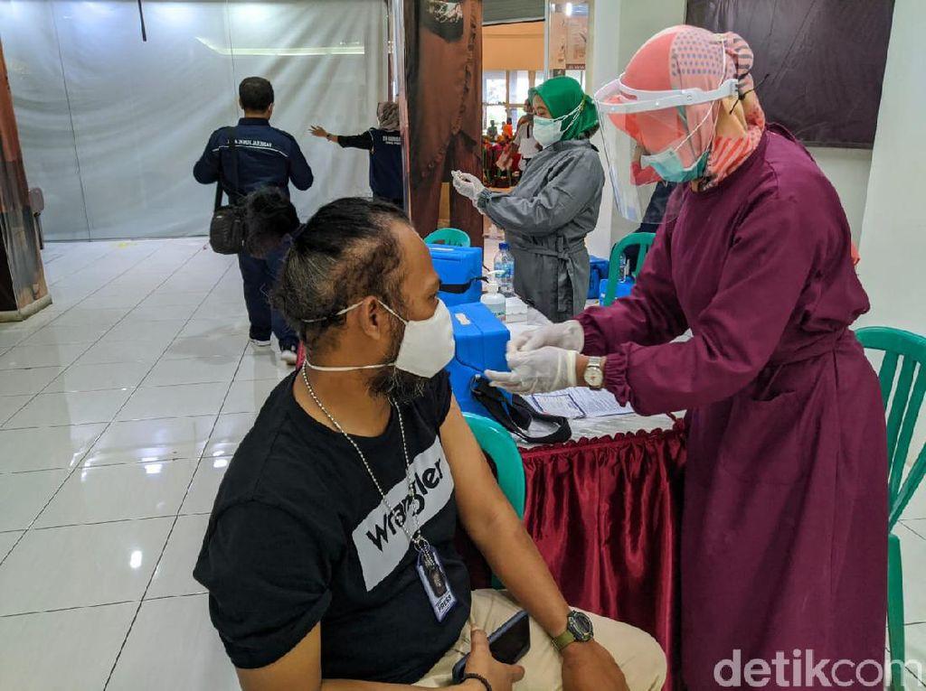 75 Perawat di Ponorogo Positif COVID-19 dan 1 Meninggal Selama Pandemi