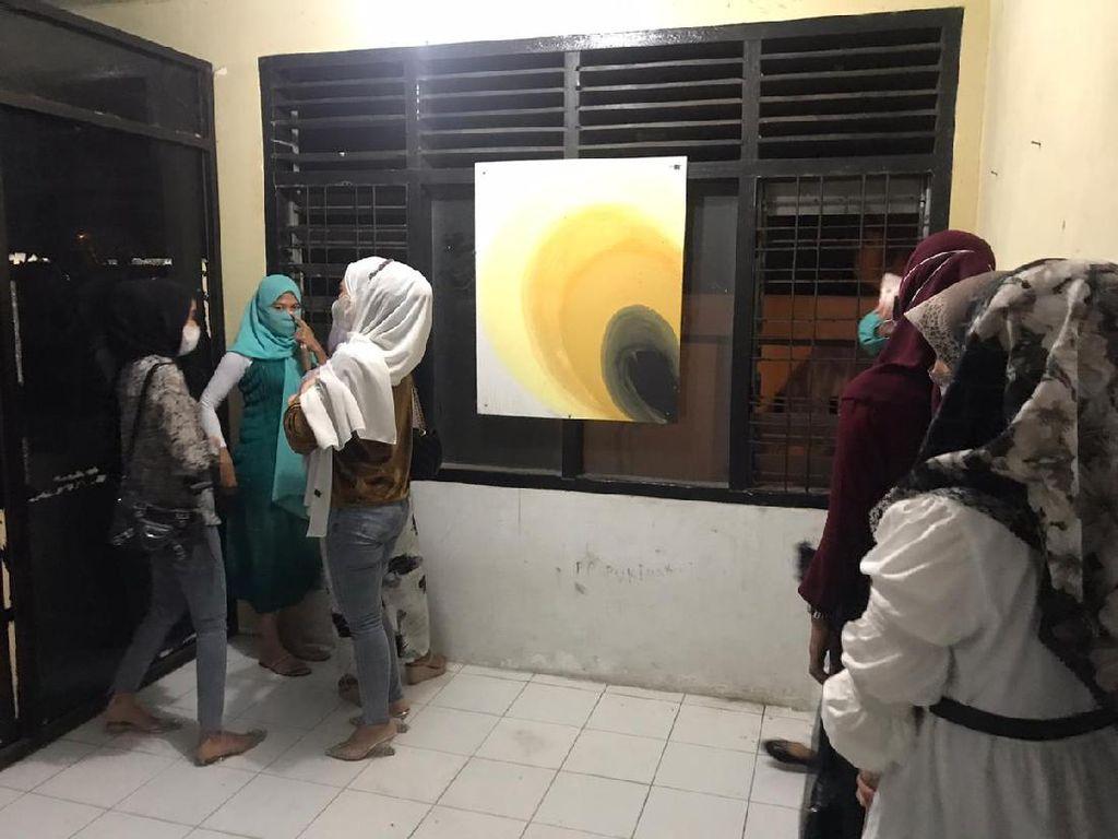 Nongkrong Pakai Baju Ketat, 19 Wanita di Banda Aceh Diamankan Polisi Syariat