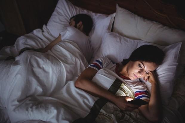 Dalam hubungan asmara, perselingkuhan sangat mungkin. Perselingkuhan ini tidak hanya terjadi secara fisik, tapi bisa juga emosional alias selingkuh hati.