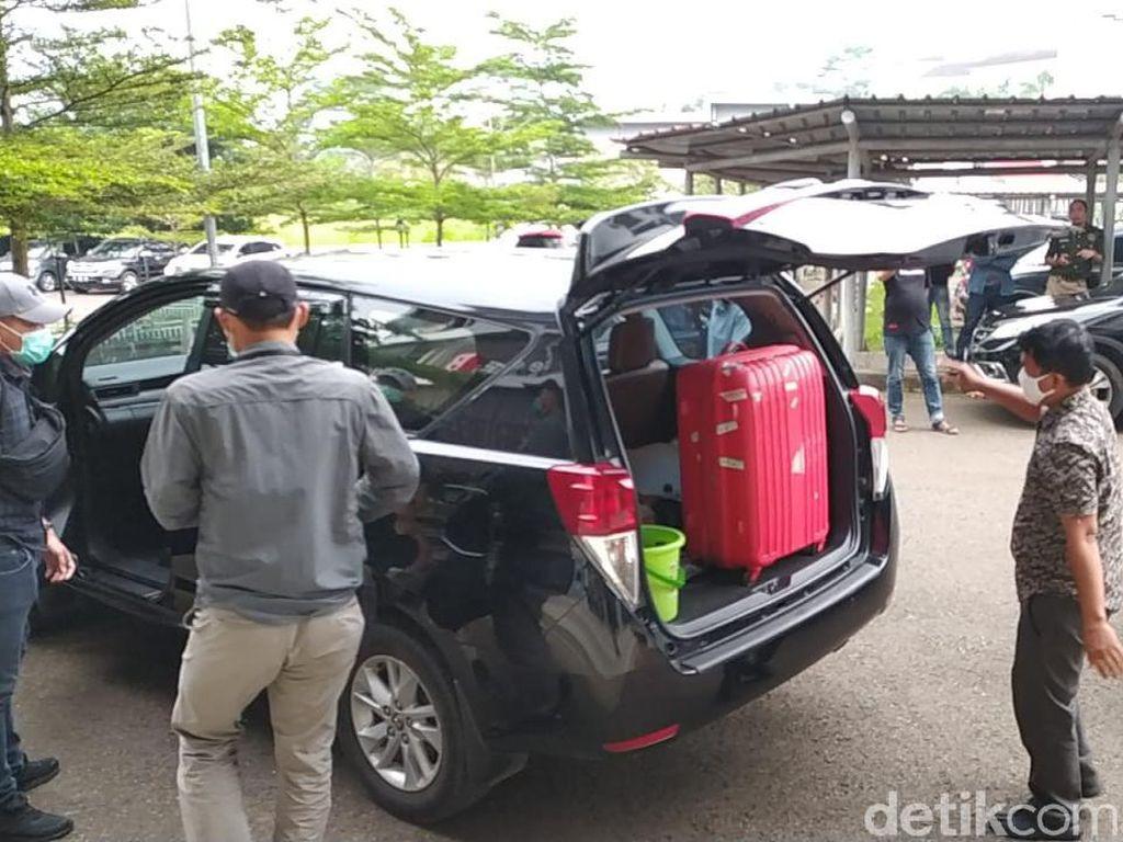 Geledah Kantor Dinas PUPR Bandung Barat, KPK Bawa Dua Koper