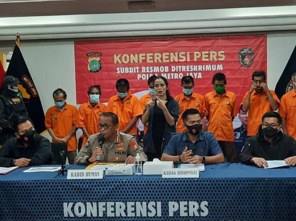 36 Bus TransJ di Terminal Pulogadung Dikanibal, Polisi: Tinggal Casing Saja