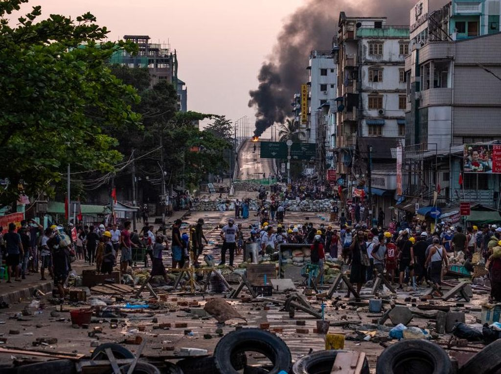 Parah! Militer Myanmar Ancam Ambil Aset di Bank Swasta