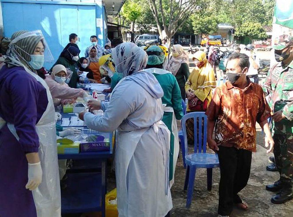5 Pedagang Pasar di Karanganyar Meninggal Kena Corona, 225 Orang Dites Antigen