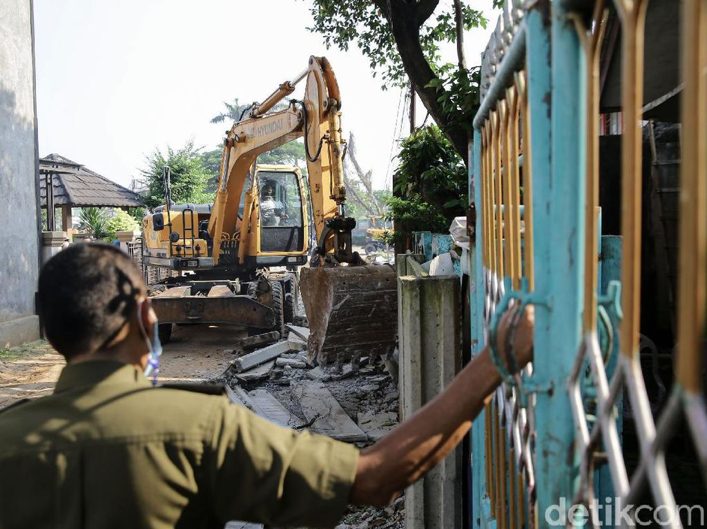 Pemasang akan Kembali Bangun Tembok Menutup Rumah Warga di Ciledug