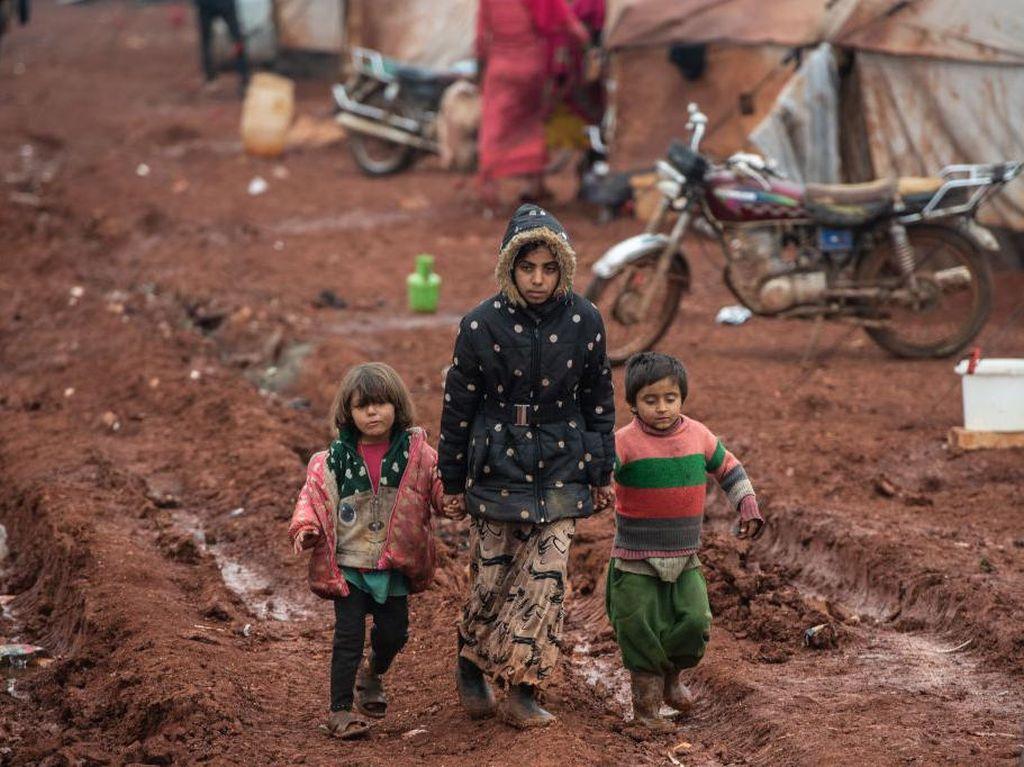 Perang 1 Dekade di Suriah Tewaskan Nyaris Setengah Juta Orang