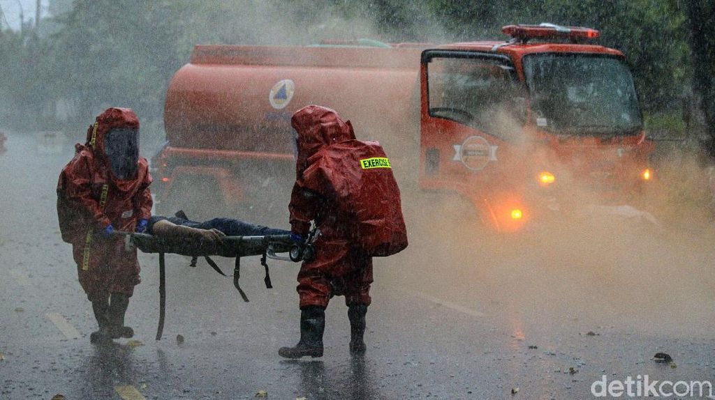 Begini Simulasi Penanganan Ancaman Ledakan Bahan Kimia Berbahaya