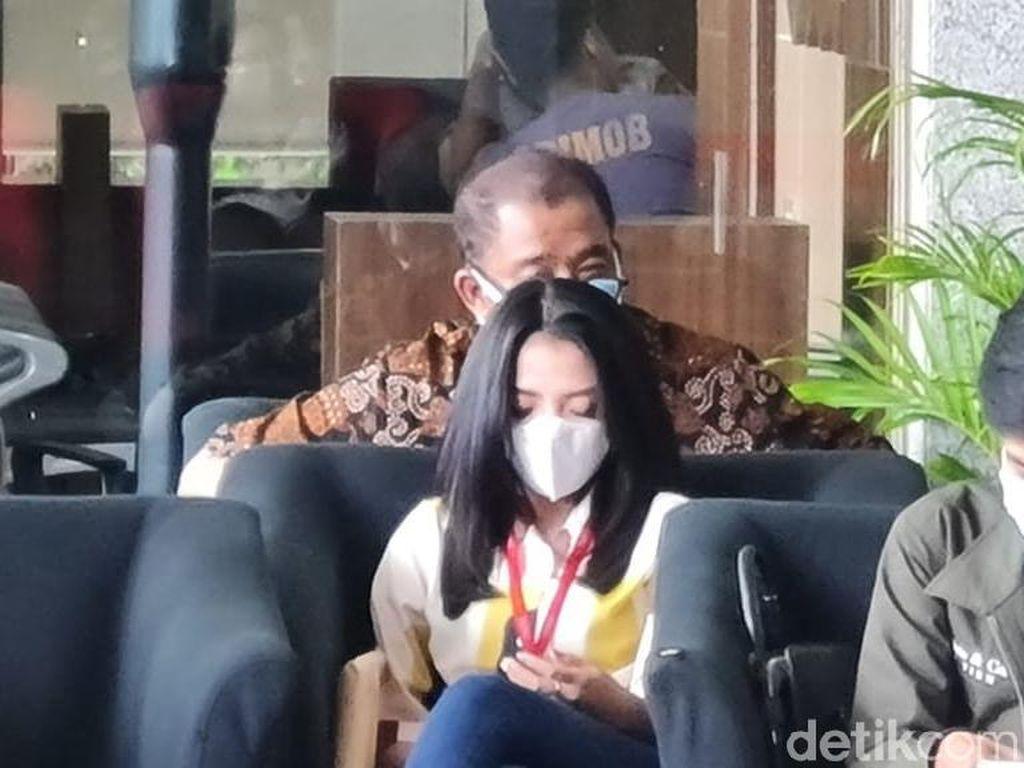 KPK Sita Rekening Koran Biduan Dangdut Betty Elista terkait Kasus Edhy Prabowo