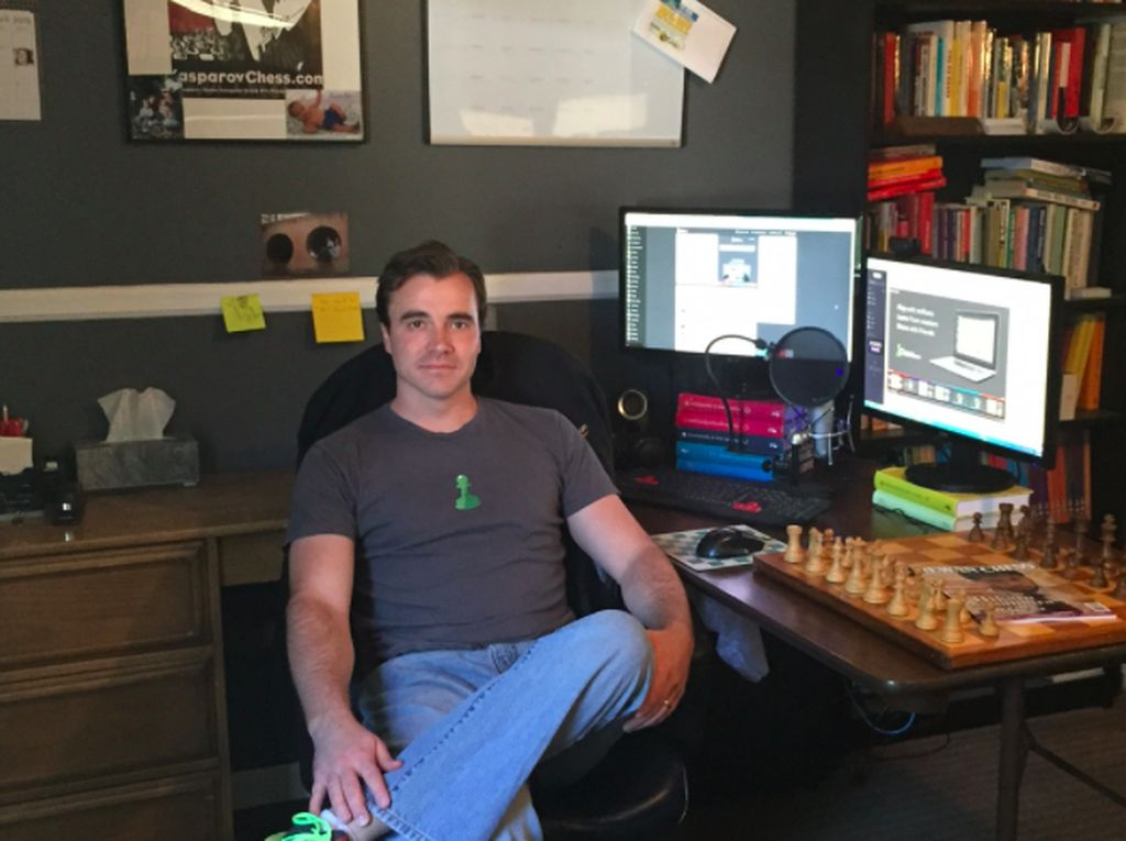 Sosok Bos Chess.com yang Vonis Dewa Kipas Curang