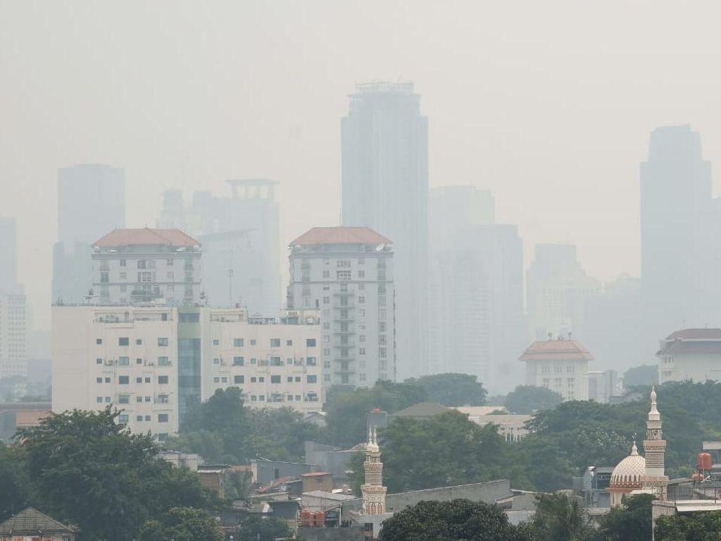 Berkabut, Kualitas Udara Jakarta Terburuk Ke-3 di Dunia Versi IQAir