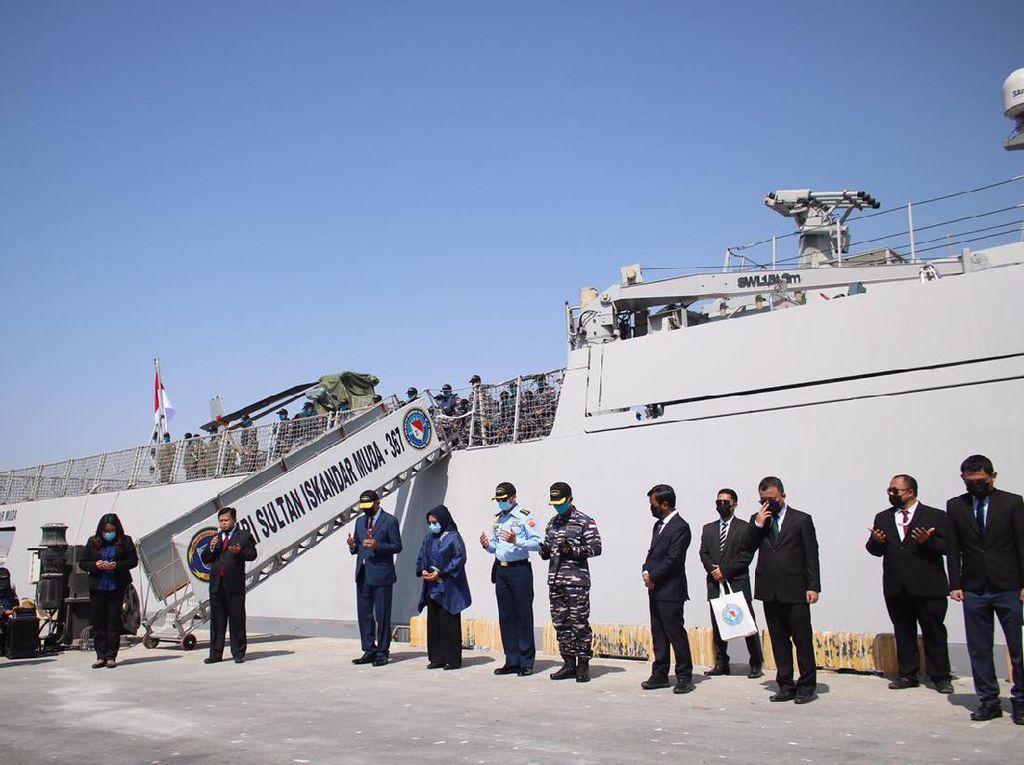 KRI Sultan Iskandar Muda Singgah di Oman Sebelum Lanjutkan Misi ke Lebanon