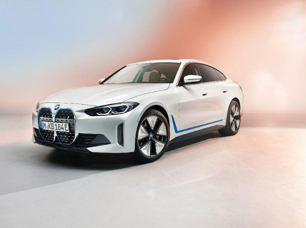 BMW Kenalkan Mobil Listrik i4, Bakal Jadi Tesla Killer