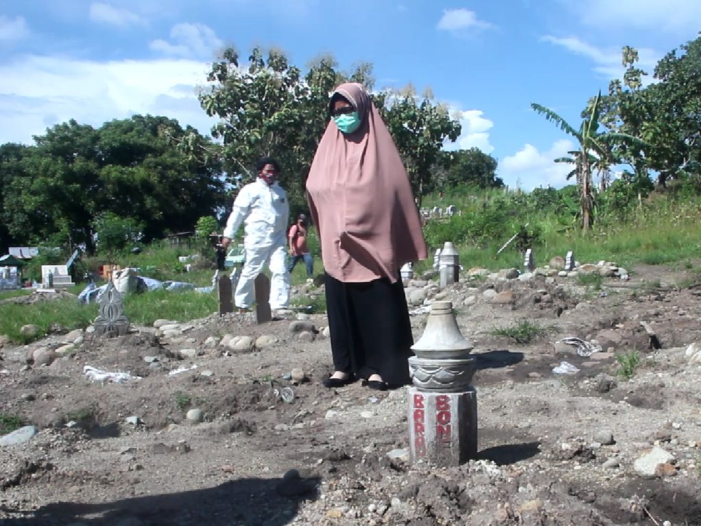 Cerita Nuraeni Pindahkan Jenazah Suami dari Makam Khusus COVID di Parepare