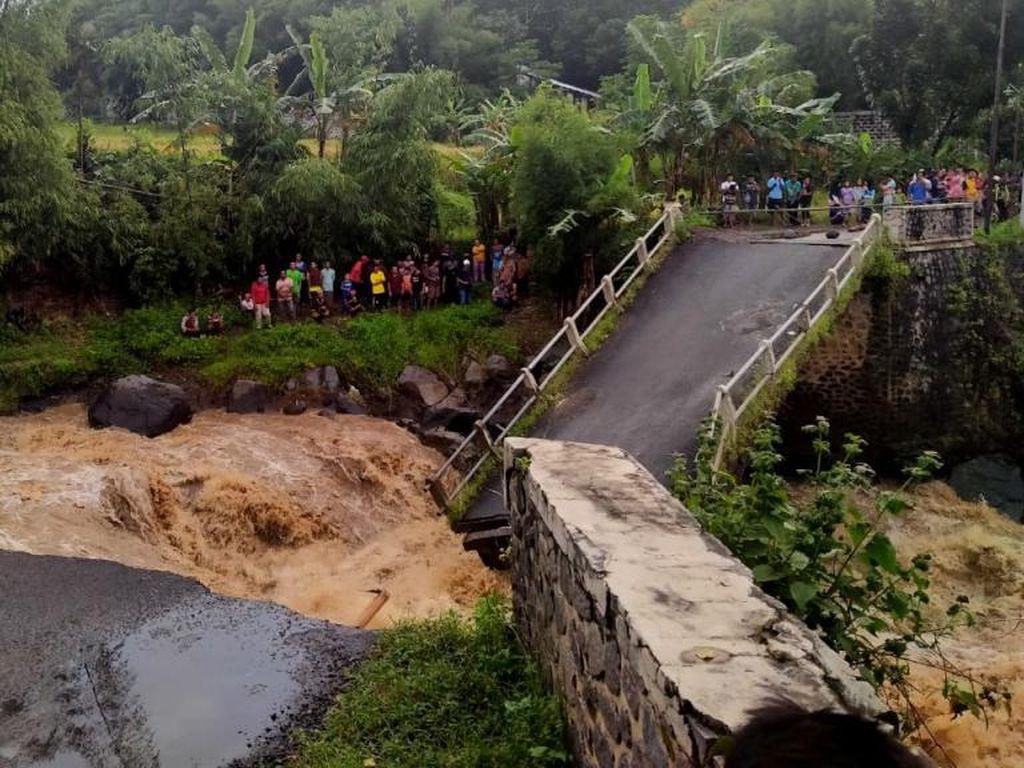 Pembangunan Jembatan Ambruk di Pasuruan Tunggu Dana Pusat