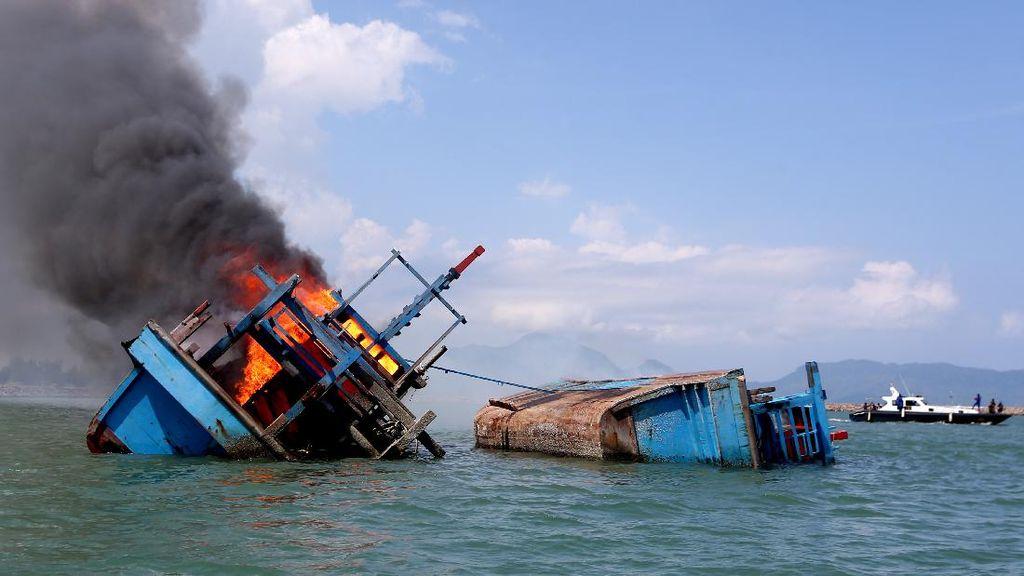 Lagi, Kapal Maling Ikan Ditenggelamkan