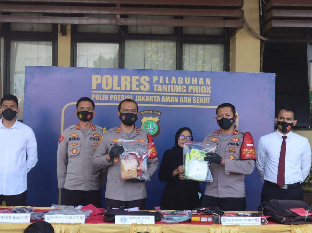 Polisi Tangkap Pembobol Konter HP di Jakut, 15 Unit Ponsel Disita