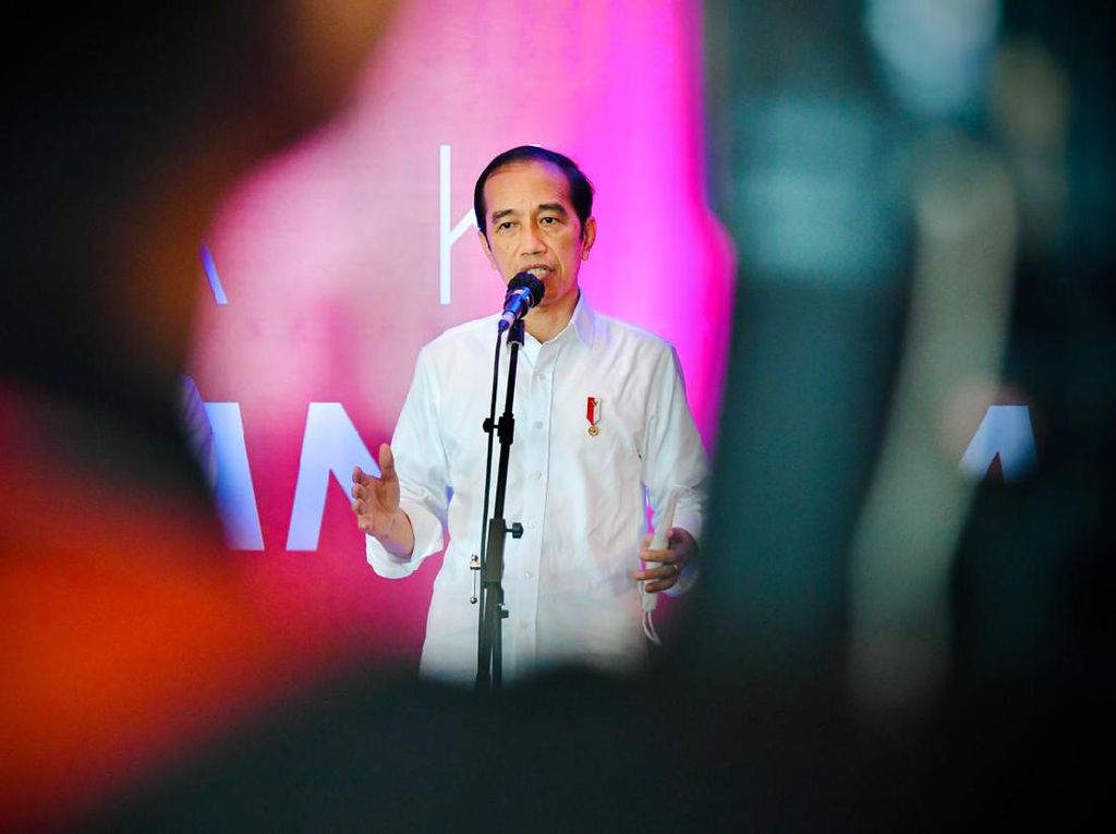 Jokowi: Kalau Nanti Terjadi Kekebalan Komunal, COVID Datang Bisa Mental