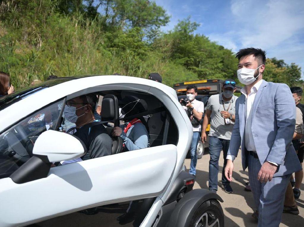 Ridwan Kamil Coba Mobil Listrik Renault Twizy, Mau Jadi Mobil Dinas Juga, Kang?