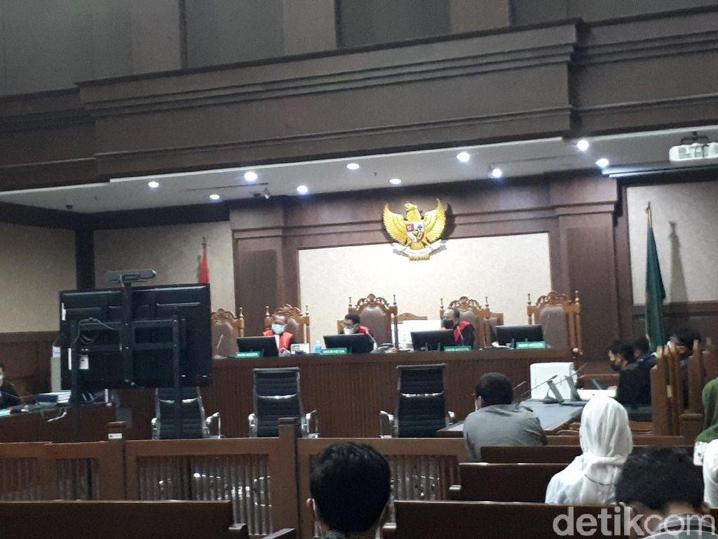 Saksi Ungkap Rohadi PNS Tajir Pernah Pamer Foto Bareng Fadli Zon dan JK