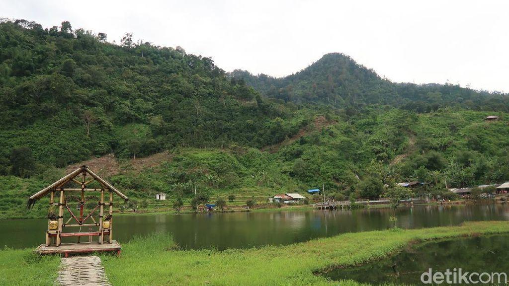 Kemping Yuk di Tepi Situ Rawa Gede, Bogor