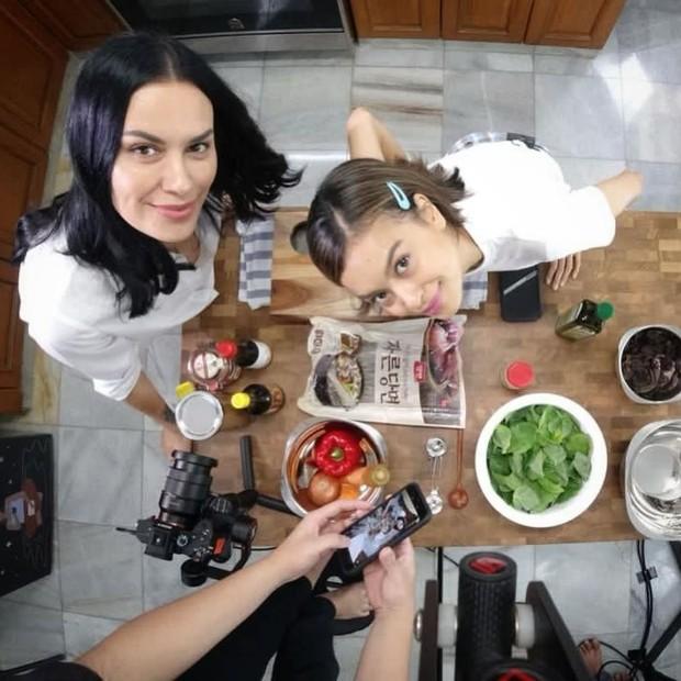 Sophia Latjuba & Eva Celia memilih gaya hidup vegan