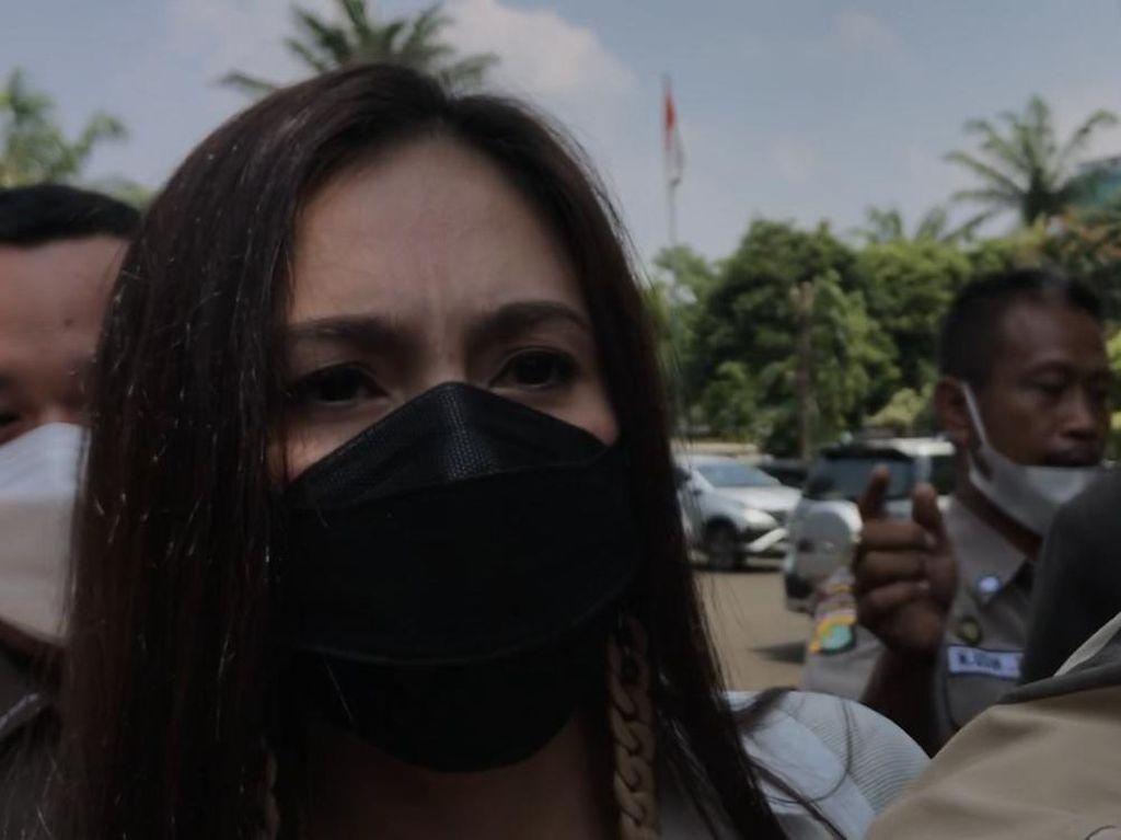 Alasan Wulan Guritno Jadikan Istri Lukman Sardi Saksi dan Kehadiran Ario Bayu