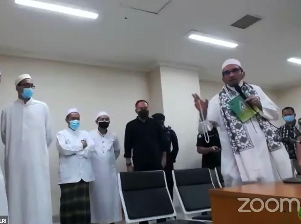 Eks Ketum FPI dkk Bebas Hari Ini, Polri Tunggu Jaksa Eksekusi