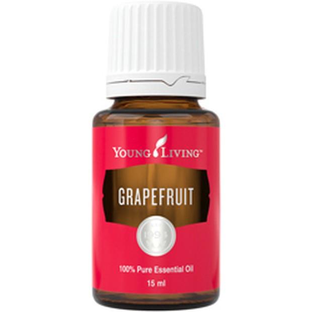 Minyak esensial grapefruit memiliki sifat yang mirip dengan sweet orange, tetapi juga memiliki kualitas astringen yang membuatnya menjadi toner yang bagus.