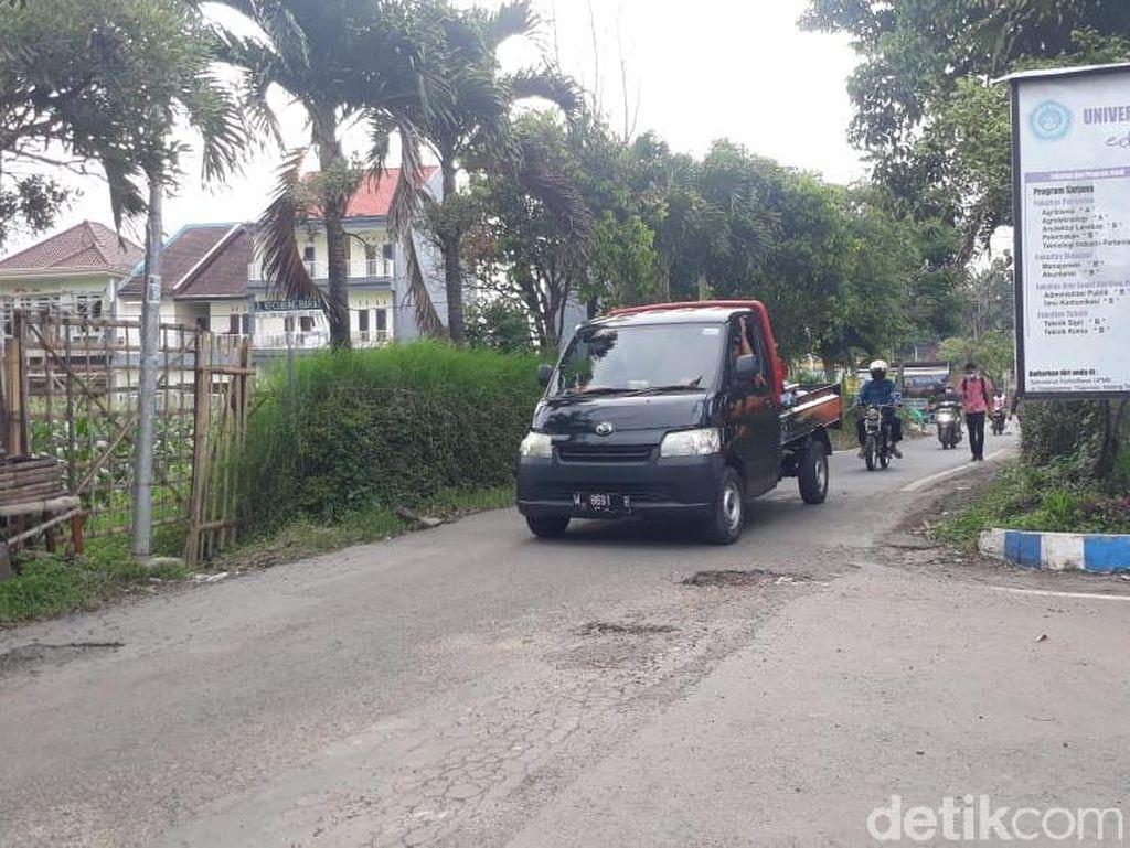 Jl Terusan Kecubung Barat di Malang Rusak, Warga Harapkan Perbaikan Jalan