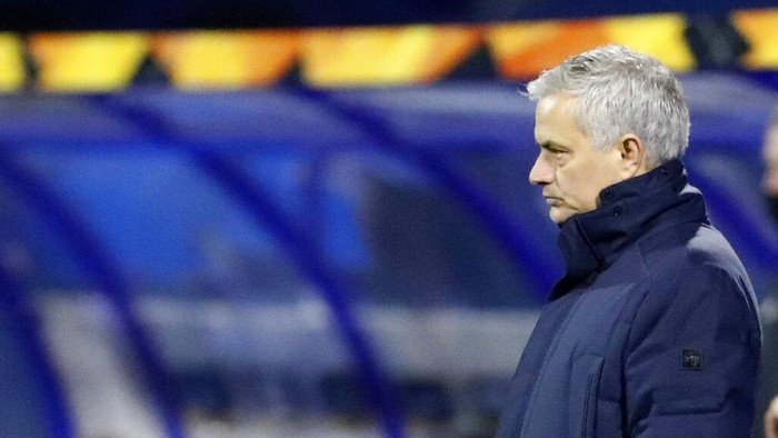 Tottenhams manager Jose Mourinho during the Europa League round of 16 second leg soccer match between Dinamo Zagreb and Tottenham Hotspur at the Maksimir stadium in Zagreb, Croatia, March 18, 2021. (AP Photo/Darko Bandic)