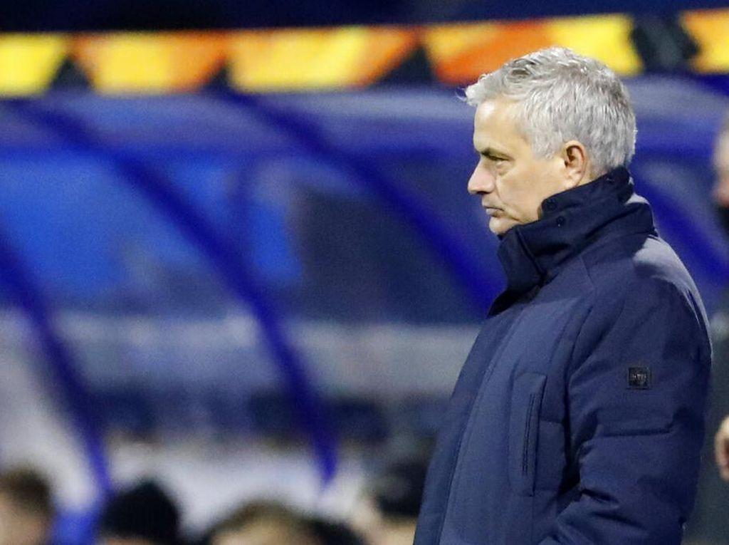 Mourinho pun Minta Maaf ke Fans Tottenham