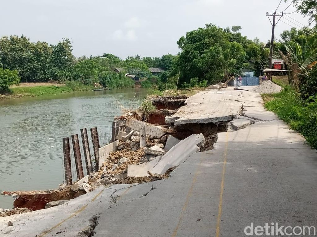 Begini Kondisi Jalan Longsor di Tanjung Burung Kabupaten Tangerang
