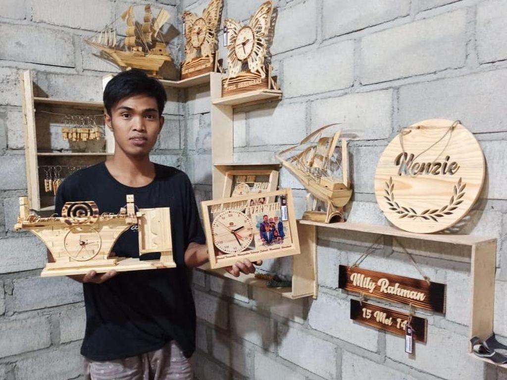 Inovatif, Pria di Ponorogo Berhasil Buka Usaha Kerajinan Kayu Saat Pandemi