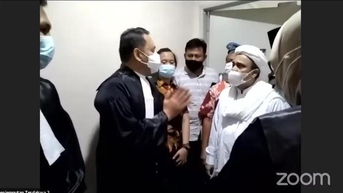 Screeenshot live streaming sidang Habib Rizie (dok. YouTube PN Jaktim)