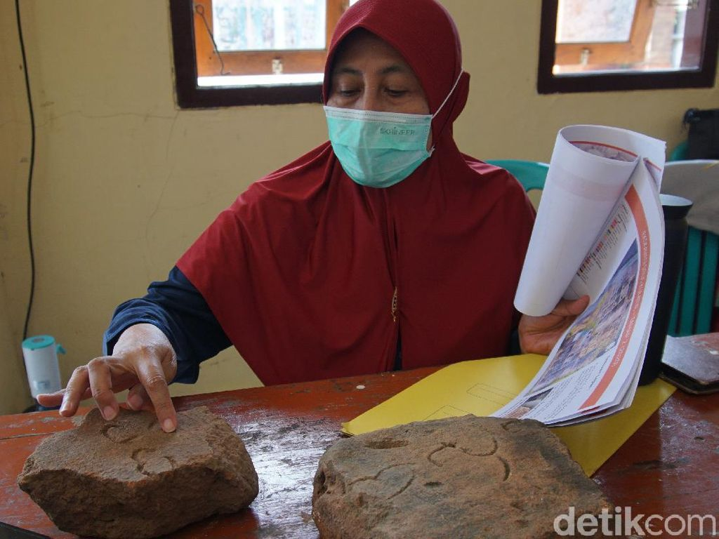 Ahli Epigrafi Analisis Bata Inskripsi di Situs Istana Paman Hayam Wuruk