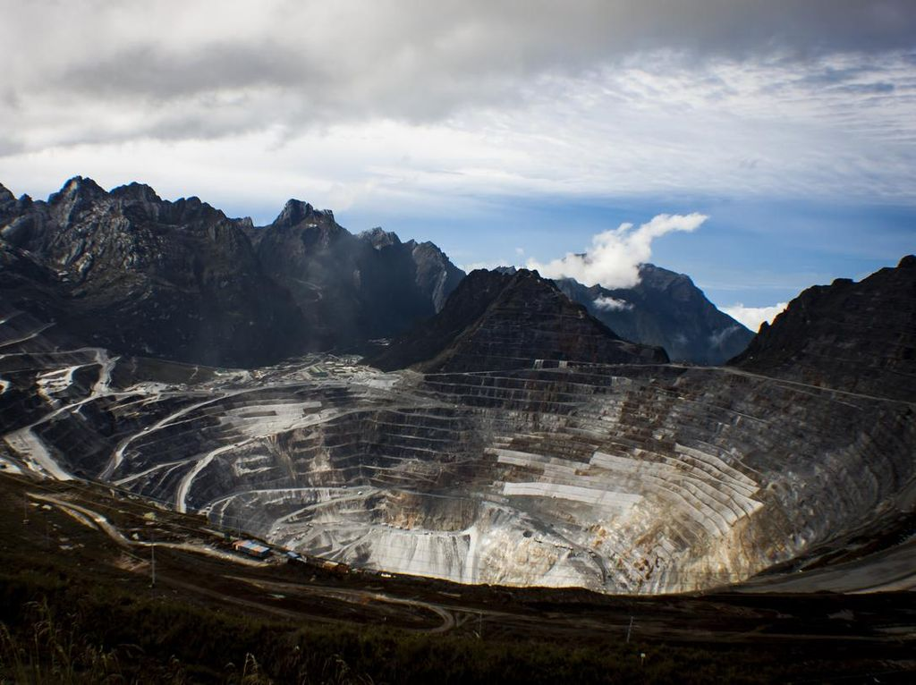 Tak Kalah dari Kongo, Ini Tiga Gunung di Dunia yang Dincar Pemburu Emas
