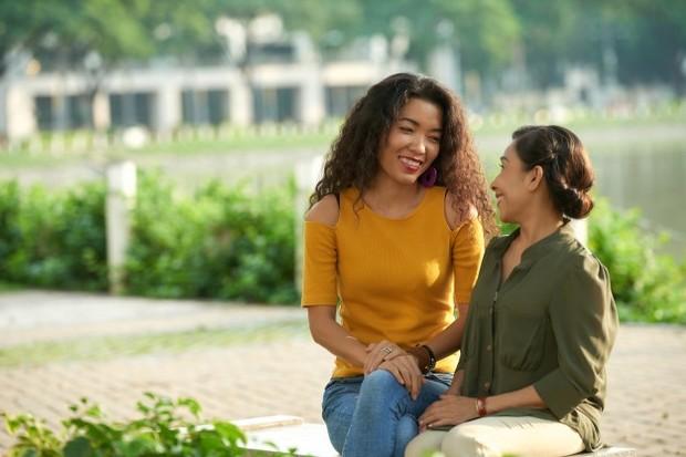 Meskipun orangtuamu tidak menyetujui hubunganmu dengan pasangan, tidak ada salahnya untuk mencoba mempertemukan mereka.