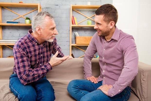 Hal pertama yang harus kamu lakukan adalah mengkomunikasikan masalah yang kamu hadapi langsung pada orangtuamu.
