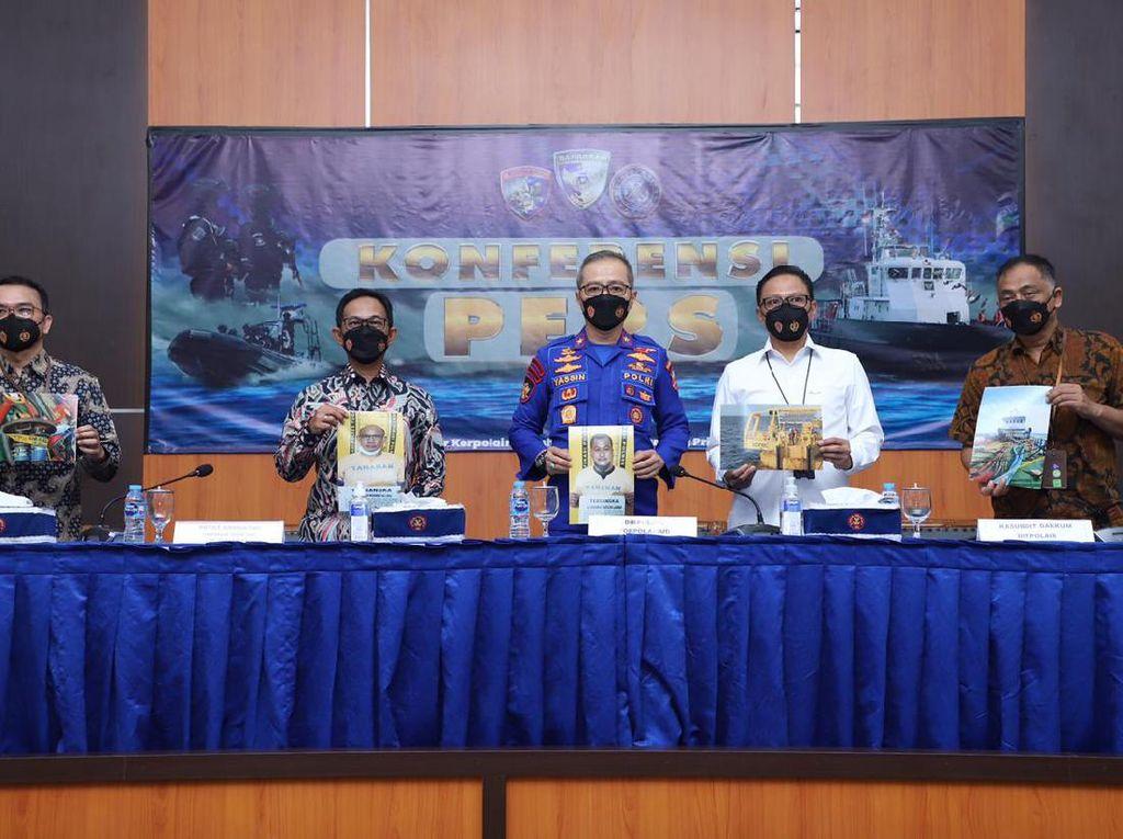 Baharkam Polri Amankan Kapal Pencuri 21,5 Ton Solar Pertamina di Tuban