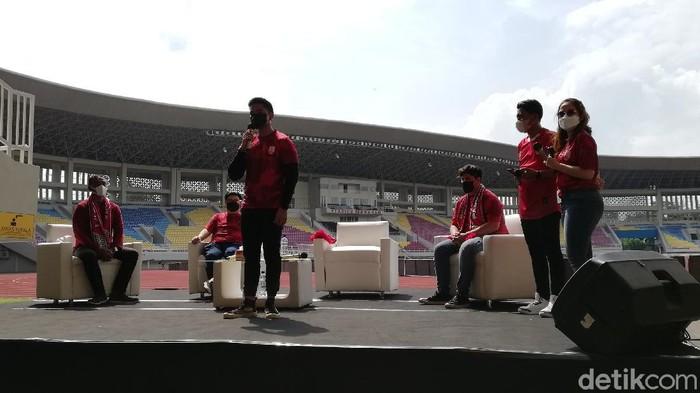 Kaesang Pangarep saat memberikan sambutan di Stadion Manahan,Solo, Sabtu (20/3/2021).