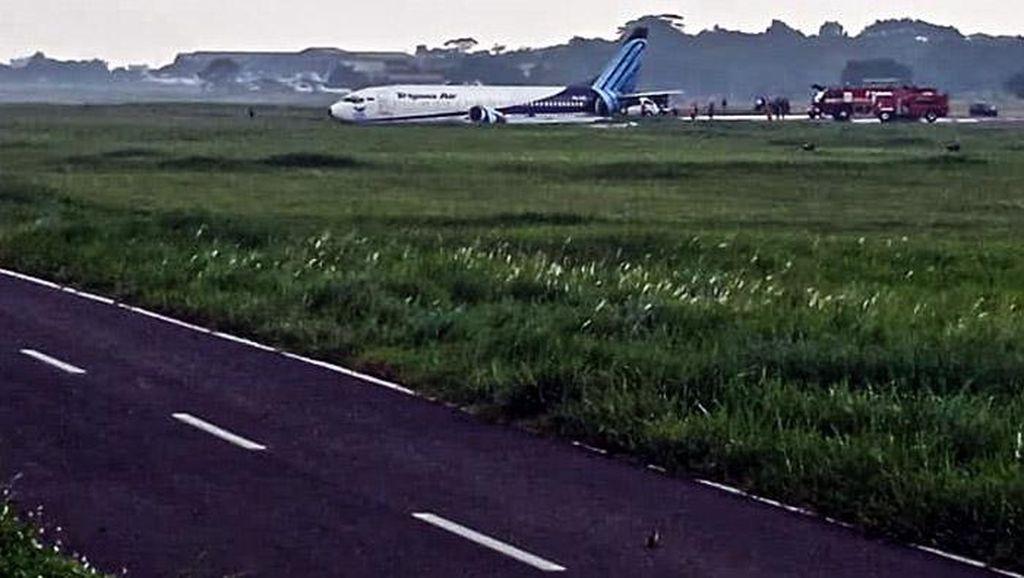 Penampakan Pesawat Trigana Air yang Tergelincir di Bandara Halim