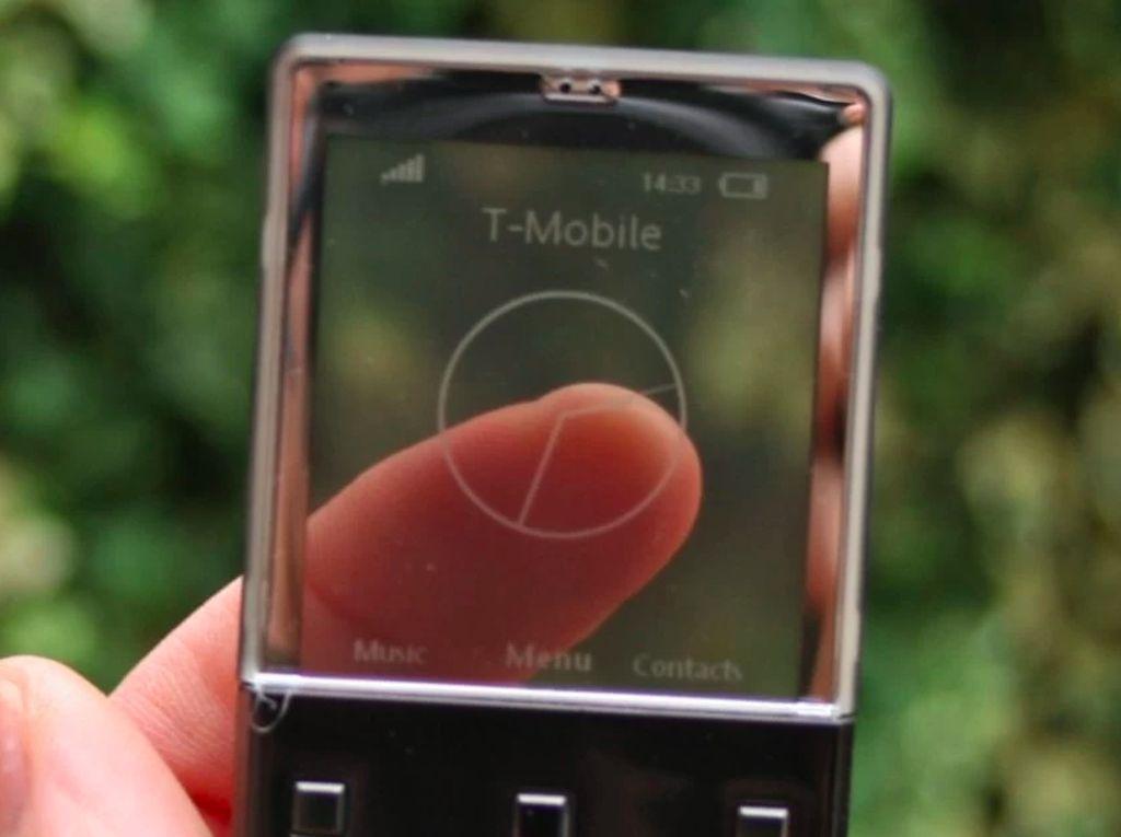 Xperia Pureness, Ponsel Transparan yang Menawan
