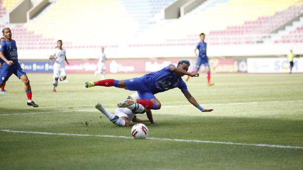 Laga pembuka Piala Menpora antara Arema FC vs Tira Persikabo di Stadion Manahan Solo, Minggu (21/3). (Dok. PSSI Pers)