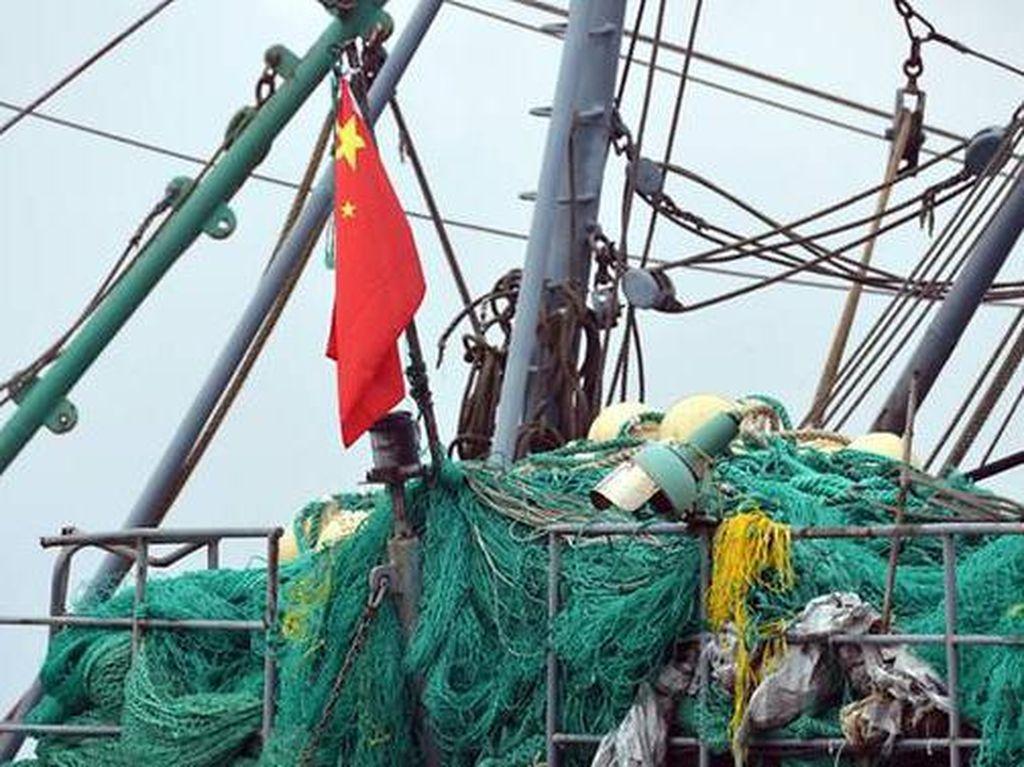 200 Kapal Penangkap Ikan China Ditambatkan di Teritori Filipina
