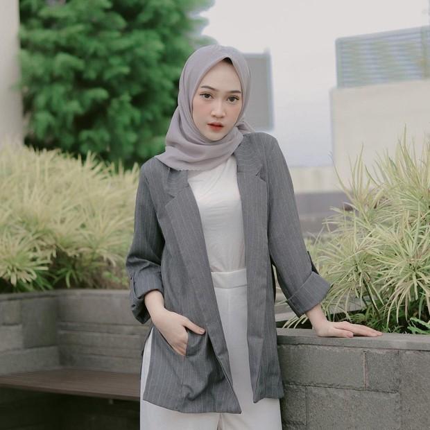 Oversized grey blazer