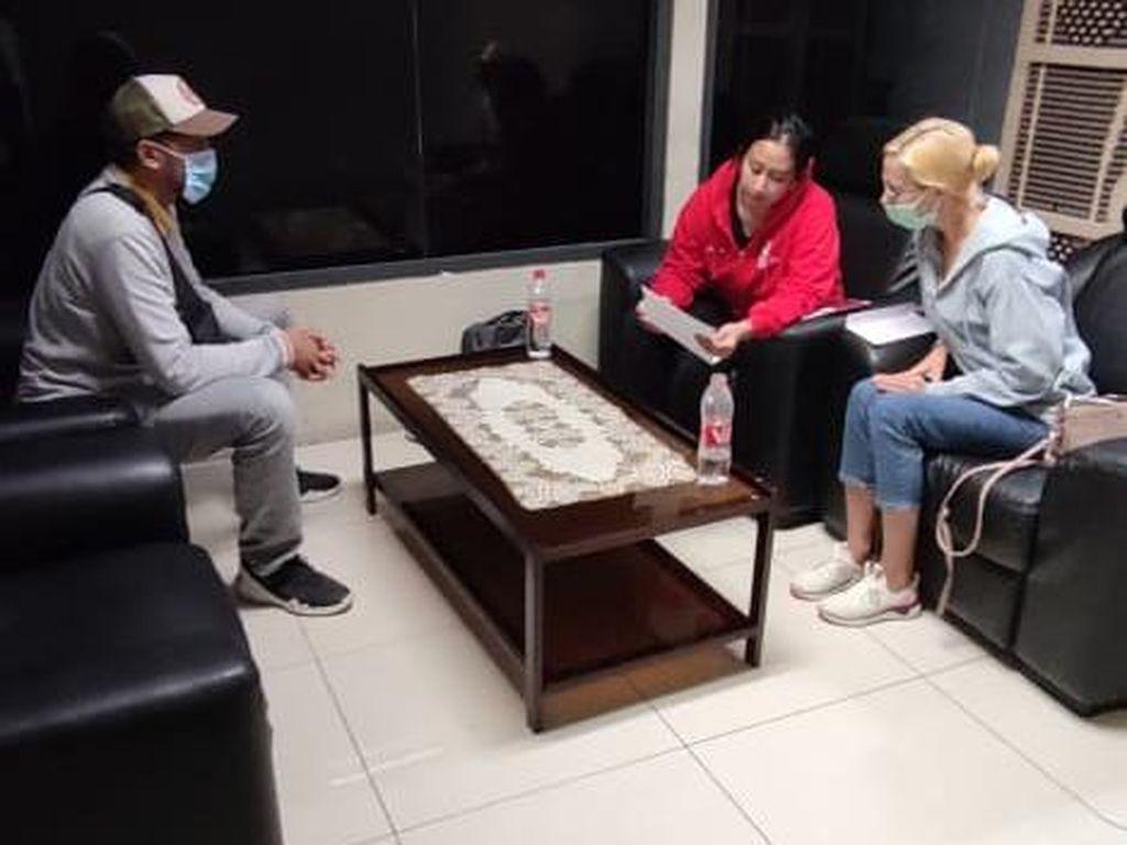 Imigrasi Bali Deportasi Kekasih WN Rusia Buron Interpol
