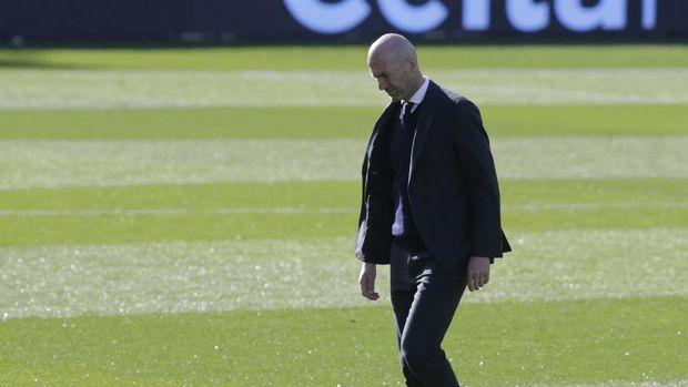 Soccer Football - La Liga Santander - Celta Vigo v Real Madrid - Estadio de Balaidos, Vigo, Spain - March 20, 2021 Real Madrid coach Zinedine Zidane REUTERS/Miguel Vidal