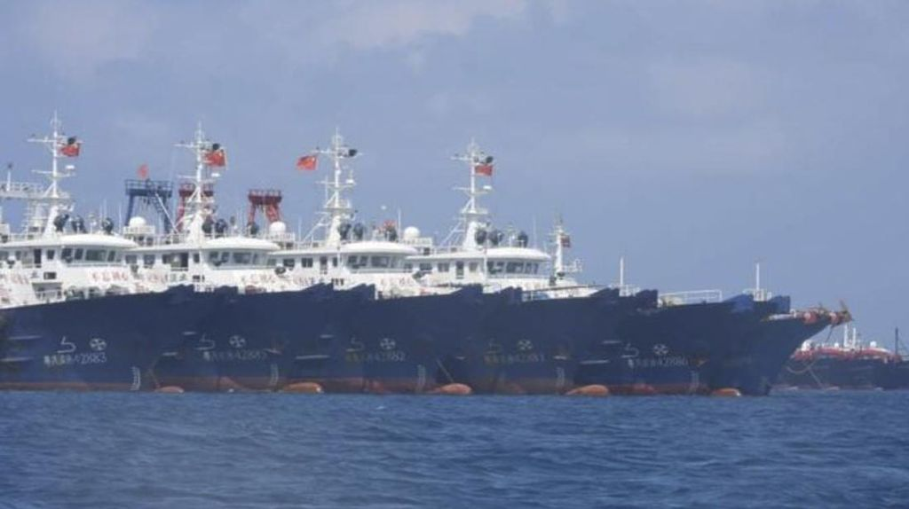Foto: 220 Kapal AL China yang Bikin Filipina Geram