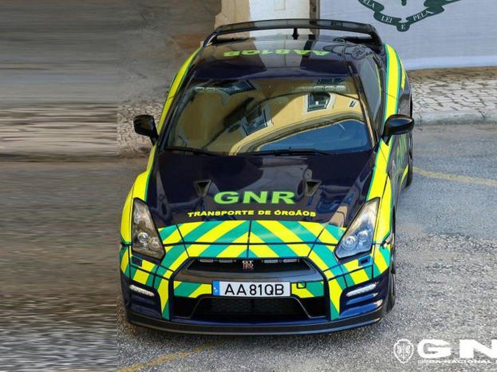 Potret Nissan GT-R Sitaan yang Disulap Jadi Mobil Pengantar Organ Tubuh